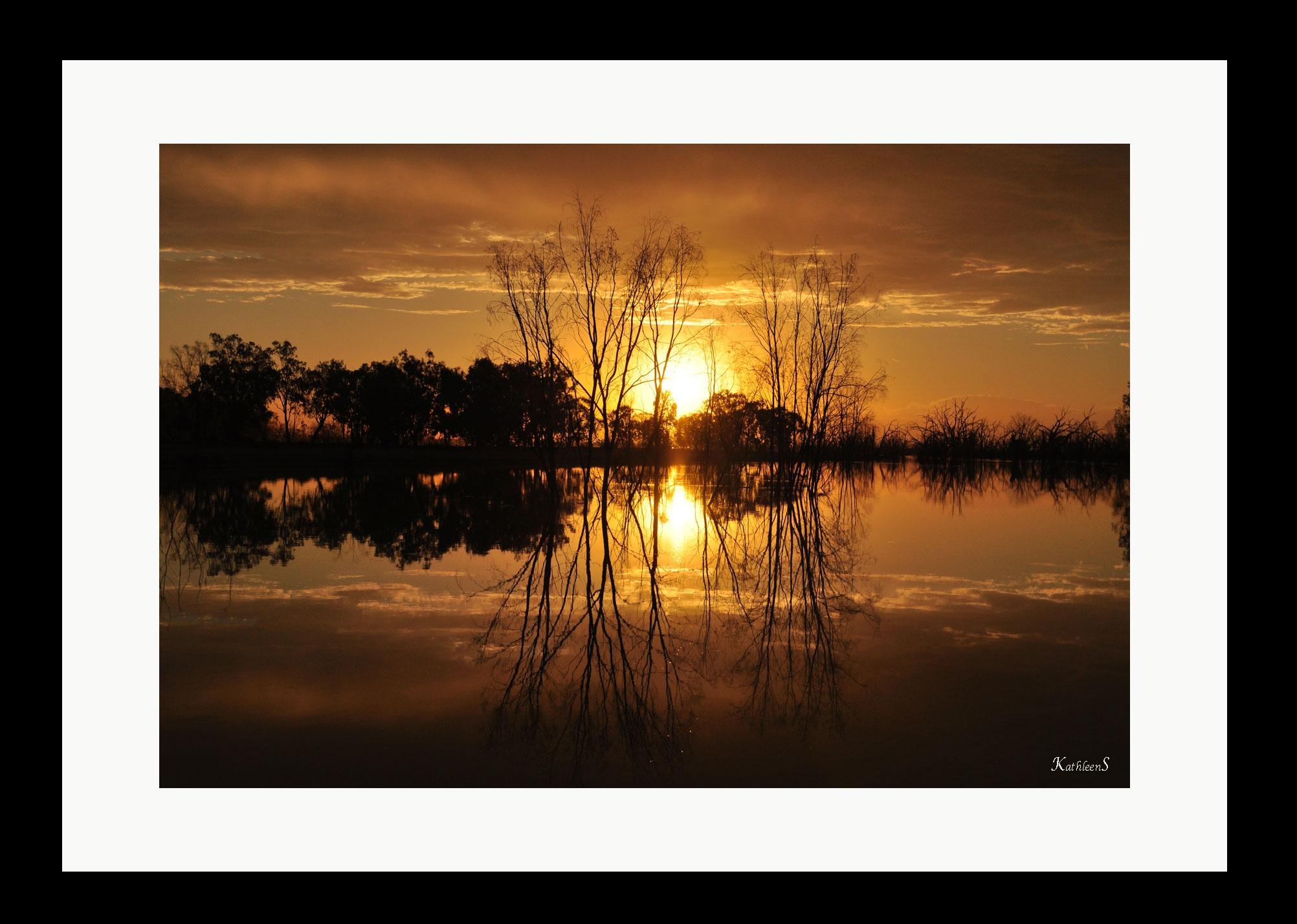 Golden-Sunset-Menindee-Lake