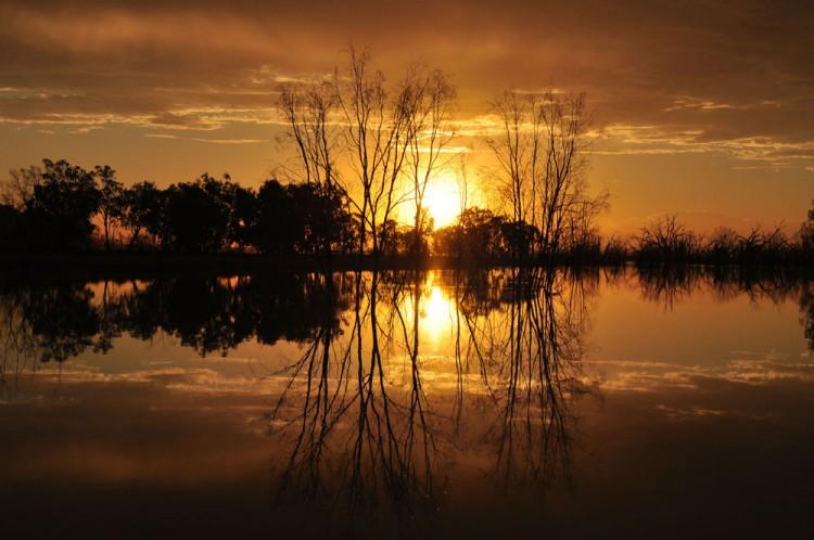 Golden-sunset-Menindee-Lake-thumbnail