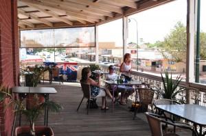 The-longest-pub-balcony-in-Australia---in-use