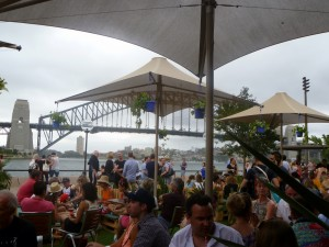Garden bar - a drink by the harbour